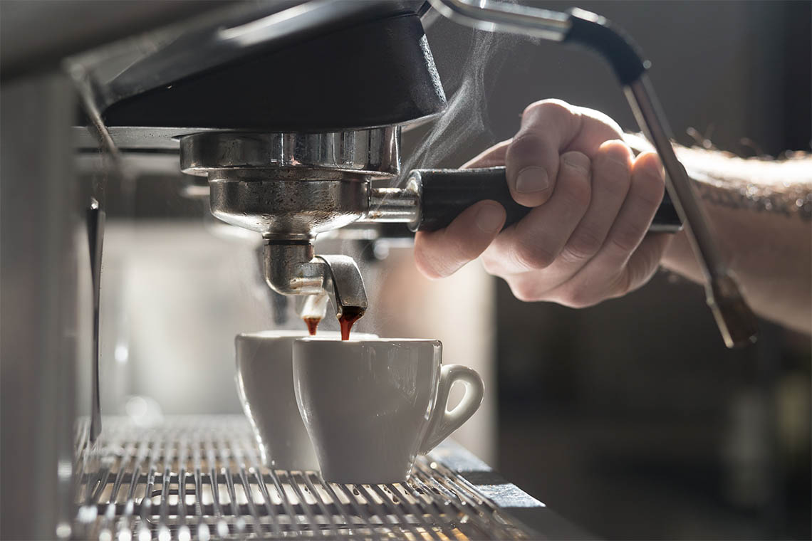Hardly anyone understands the art of preparing an espresso as well as Milan's baristas
