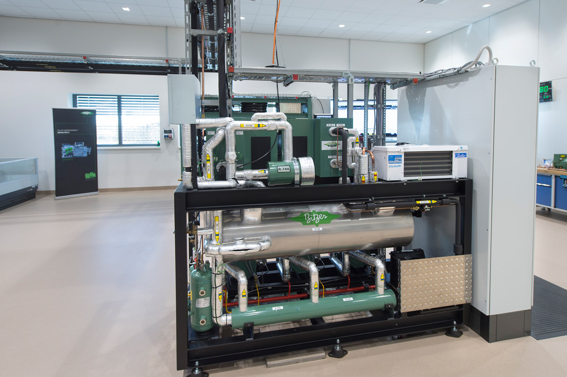 Practice rooms at the SCHAUFLER Academy allow participants to practice the refrigerant conversion on actual systems
