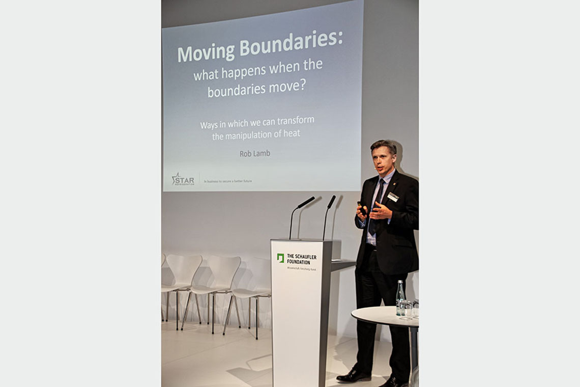 "Dr. Robert Lamb, Group Sales and Marketing Director von Sales Refrigeration, referierte über ""Moving Boundaries"""