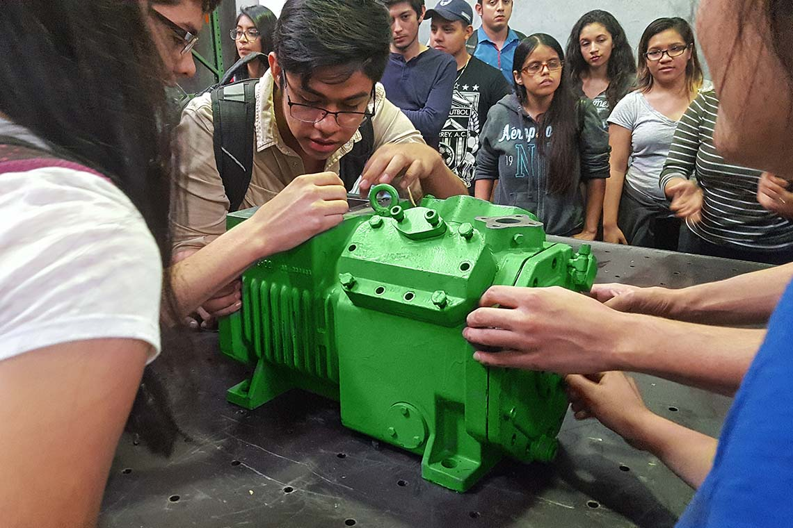 Analysing a BITZER reciprocating compressor