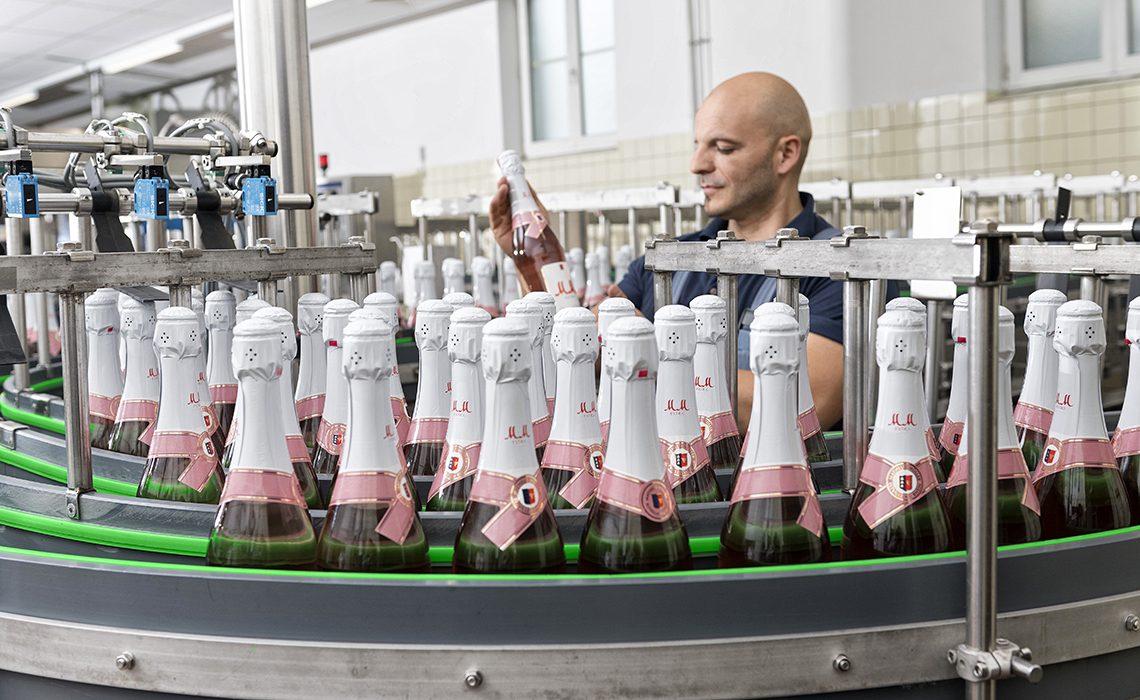 production of sparkling wine by Rotkäppchen-Mumm in Eltville am Rhein