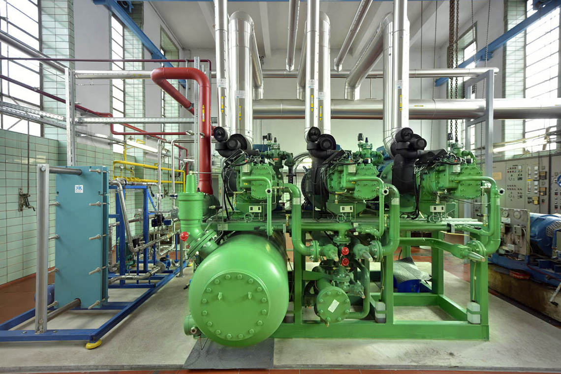 The ACP with three BITZER OSKA 85 screw compressors is the optimal solution for the slaughterhouse's operations