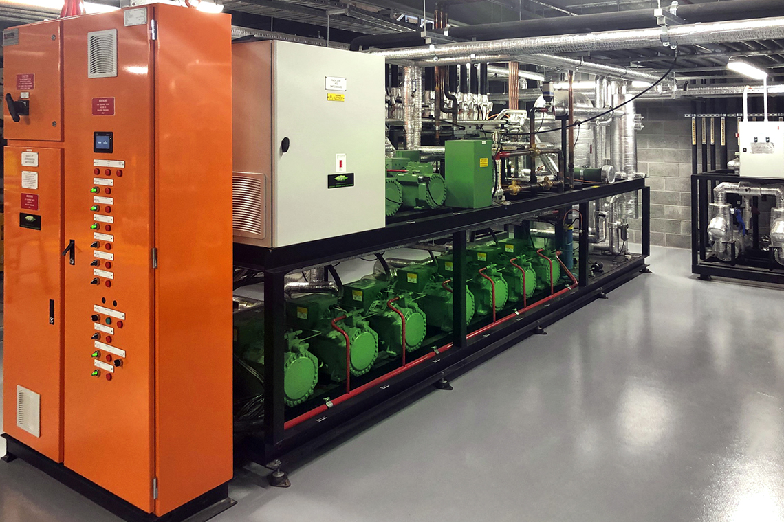 The compound system consists of nine individual BITZER ECOLINE reciprocating compressors which supply the supermarket with the required temperatures.