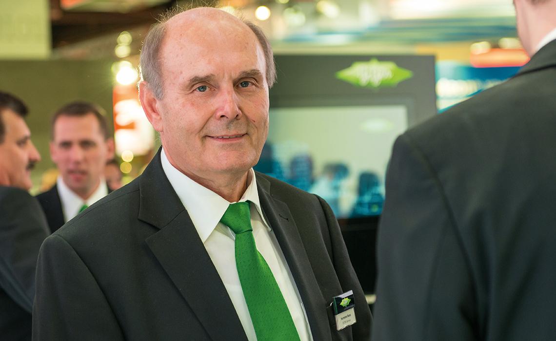Hermann Renz 是比泽尔的项目技术经理,他是公认的制冷剂和节能应用方面的专家。