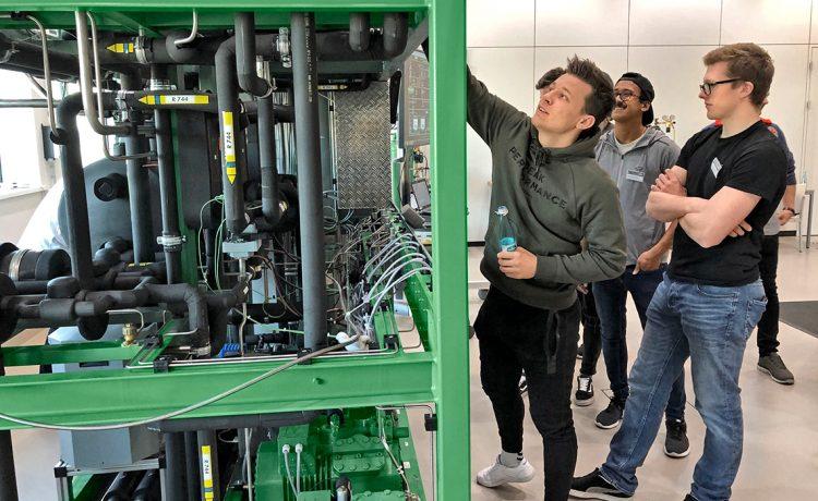 特隆赫姆大学 (NTNU) 学生:Ruben Mordal、Edd Selmer Hovland 和 Mats Odeen(左起)
