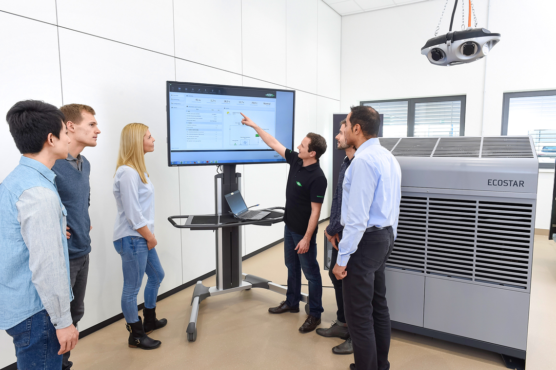 Realistic exercises: at the SCHAUFLER Academy, BITZER trains course participants on fully functional ECOSTAR condensing units