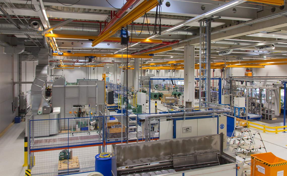 Nicht nur Hubkolbenverdichter, sondern auch Verflüssigungssätze werden am Standort Schkeuditz gefertigt