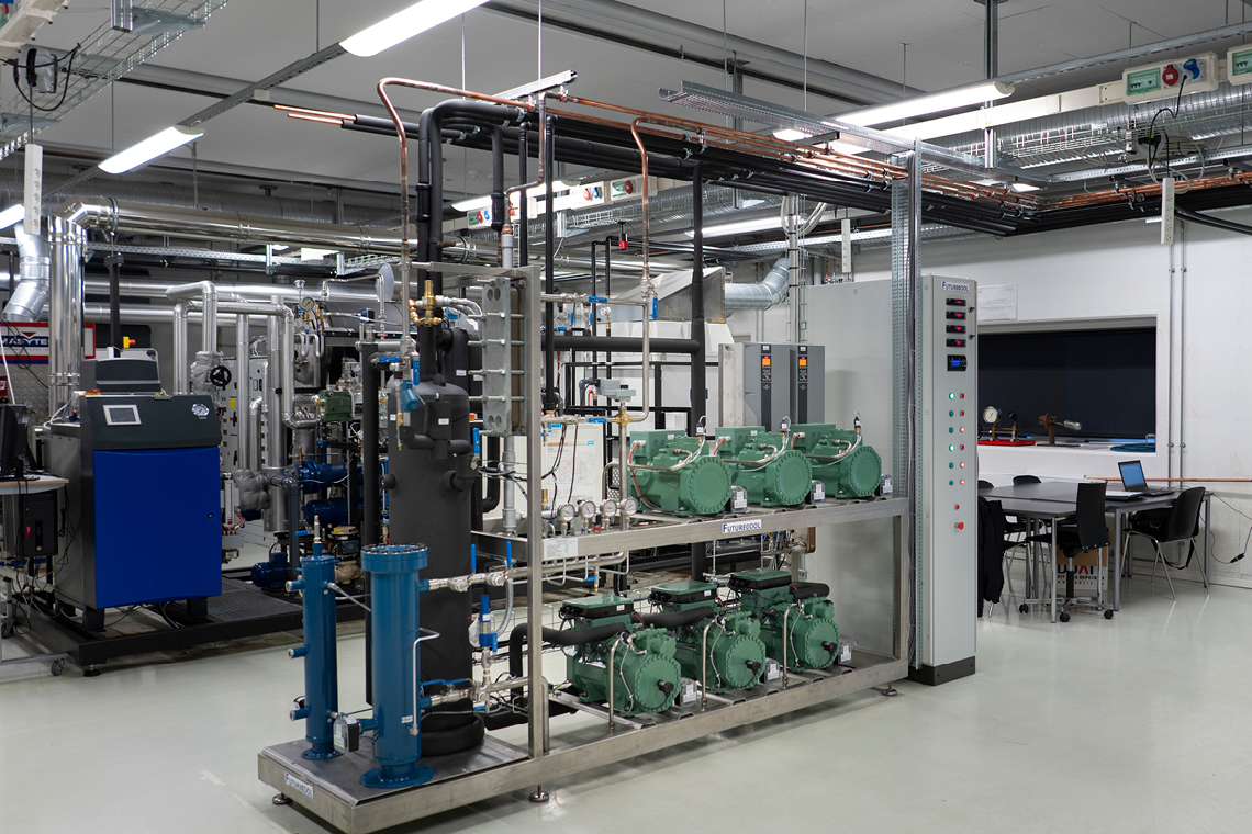 H. Jessen Jürgensen 为奥胡斯海洋与技术工程学院用于教学的全新二氧化碳系统提供了 6 台比泽尔活塞式压缩机
