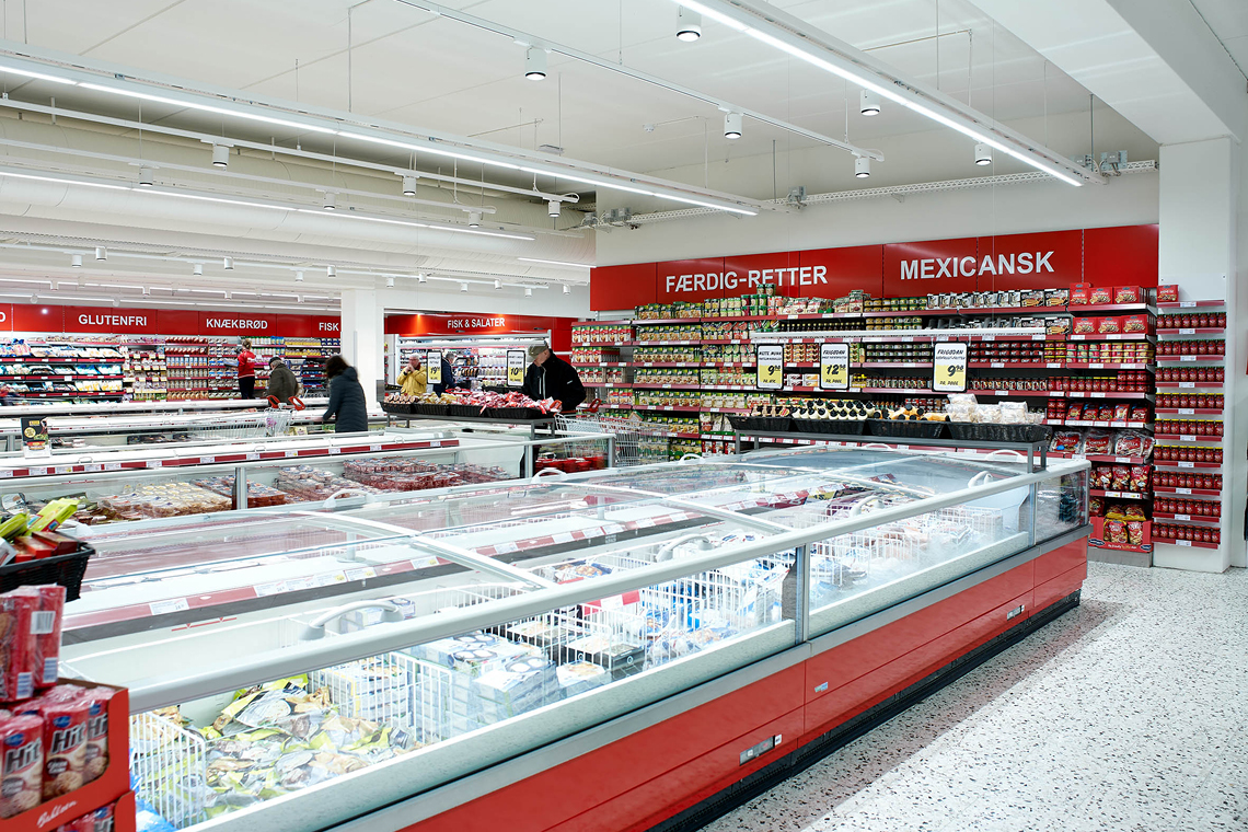 Several refrigerated display cabinets and cold stores needed to be cooled at the ABC Lavpris supermarket in Randers