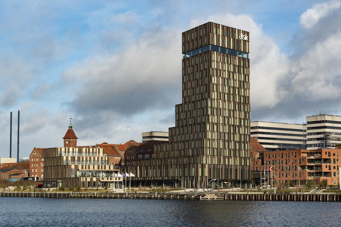 Hotel Alsik, designed von Frank Gehry, für den alten Industriehafen von Sønderborg